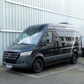 Mercedes Sprinter 9Seater/Transporter HH-RT 711 short (max load 900kg, incl. 200km)