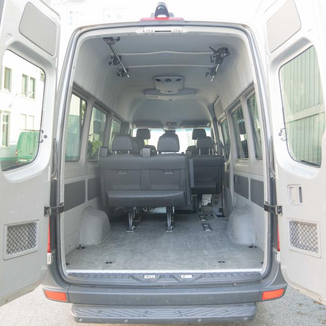 Mercedes Sprinter 9 Seater/Transporter HH-Z 711 (max carga 900KG, incl. 200km )