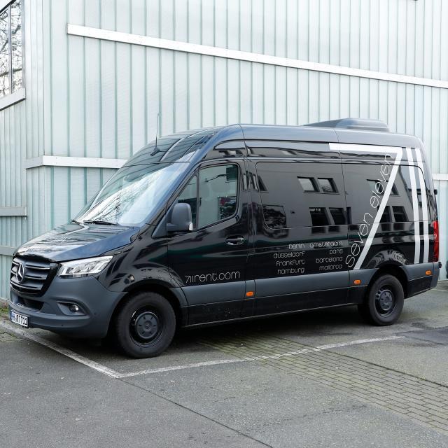Mercedes Sprinter 9Seater/Transporter HH-RT 711 corta (max carga 900kg, incl. 200km)